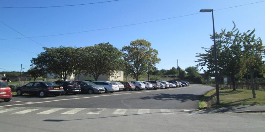 parking groupe scolaire caulnes