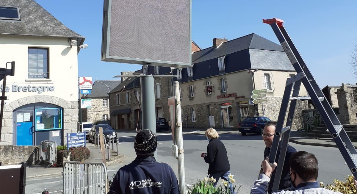 PANNEAU D'AFFICHAGE DE LA COMMUNE DE CAULNES